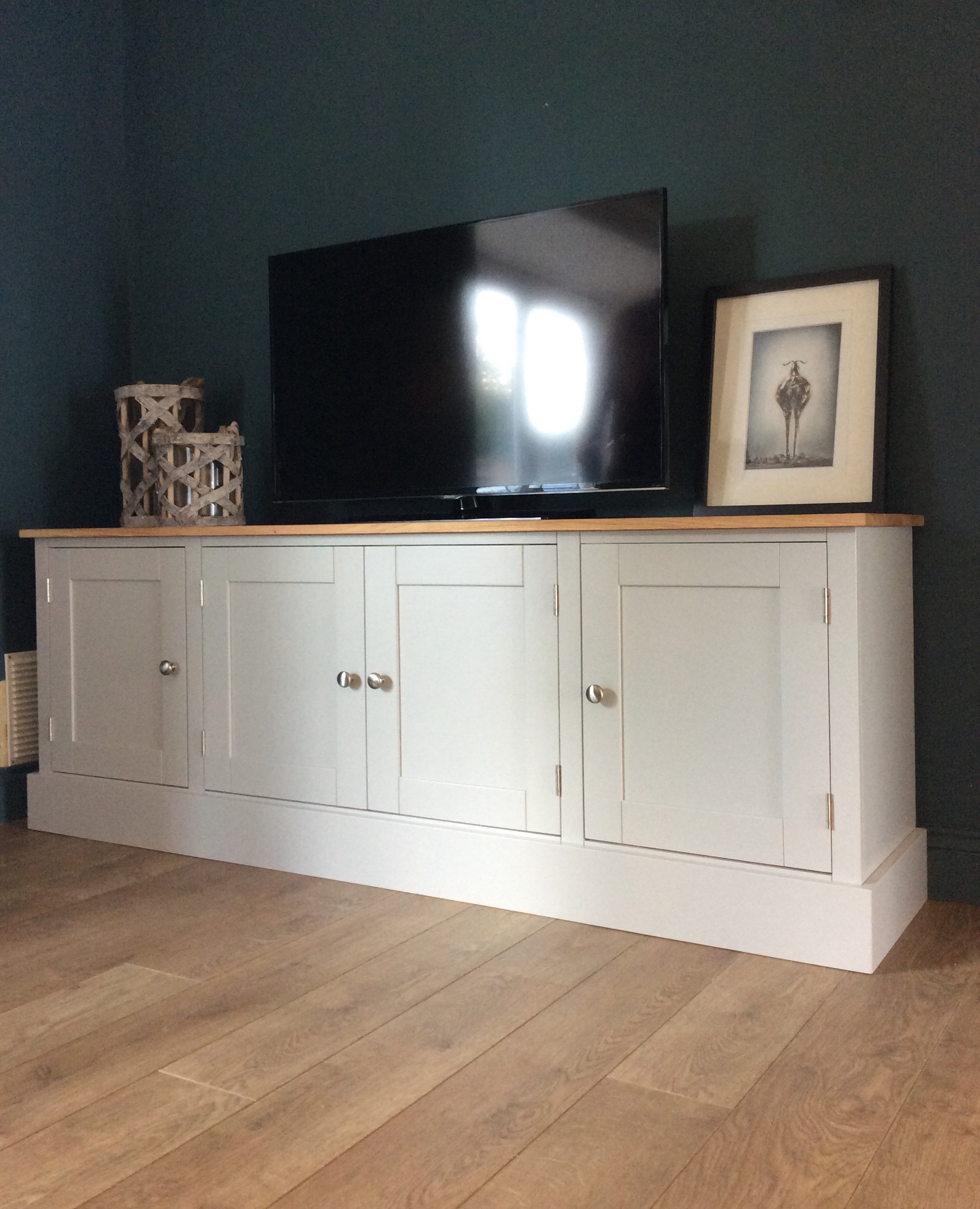 6FT SOLID OAK & PINE PAINTED TV CUPBOARD - NEST AT NUMBER 20