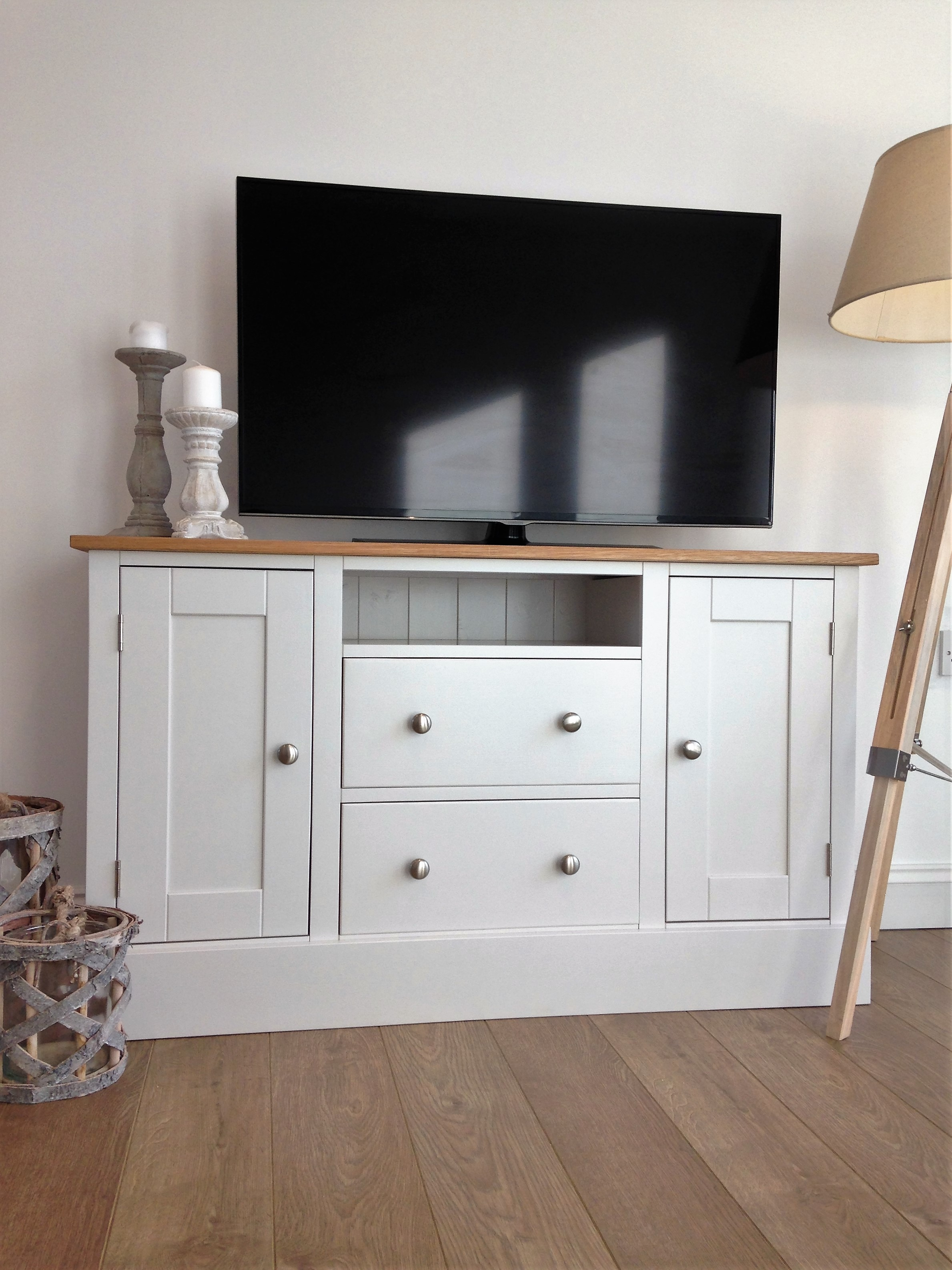 painted tv cabinet tv media units solid pine tv. Black Bedroom Furniture Sets. Home Design Ideas